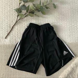 Adidas classic performance shorts, size S